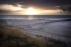 Wind and the Sea (BlindPew) Tags: jutland denmark nikon beack winter sunset cloud wind bare empty shadow