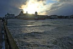 Binzer Kurhaus im Abendlicht (lt_paris) Tags: urlaubinbinz2018 binz rügen seebrücke kurhaus strand ostsee meer sonne wolken himmel wellen sonnenuntergang