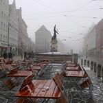 Merkurbrunnen im Nebel thumbnail