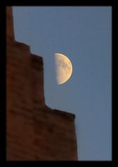 Chiwa UZ - Ichan Qal'а with half moon (Daniel Mennerich) Tags: silk road uzbekistan chiwa khiva moon halfmoon ichanqal'а