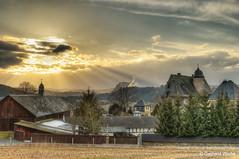 Sunspot over Rudolphstein (GerWi) Tags: grange gutshof castle rudolphstein himmel sky sonne sun clouds sunbeams licht light blue hour