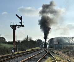 Ex SR U Class 2-6-0 No. 31806 leaves Harmans Cross. (johncheckley) Tags: d90 uksteam clag loco steam semaphore railway train
