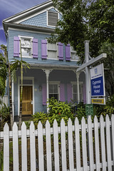 Commerciaal but historic (sumnerbuck) Tags: keywest florida hotels bbs cottages