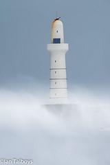 Aberdeen Harbour breakwater 3 (Ian R T) Tags: aberdeen harbour storm stormywaves waves breakwater roughsea