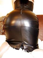 (vujo1017) Tags: leather skirt women hot fetish fetisch leder lederrock shiny cuir cuero kožna domina fetishlady lady mistress