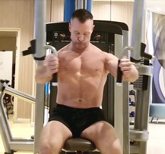 pec workout (ddman_70) Tags: shirtless pecs chest gym workout muscle abs shortshorts