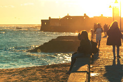 Cadiz... (Rafa Espinosa (Buscando la luz...)) Tags: playa cadiz nature atardecer contraluz luz