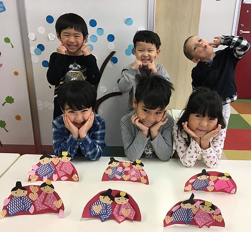 Tomorrow is Girl's Day! Do you have your dolls ready? 明日はひな祭りだね!お人形の準備はできたかな?🌸🎎🎀💜 Starkids International Preschool, Tokyo. #starkids #international #preschool #school #children #kids #kinder #kindergarten #daycare