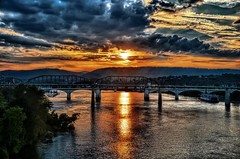 (Roland 22) Tags: chattanoogatennessee tennesseeriver reflection sky clouds flickr walnutstreetbridge