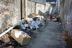 _SSB4283 (Edson Grandisoli. Natureza e mais...) Tags: regiãosudeste lixo resíduo irregular ilegal rua descaso zonaurbana poluição sólido