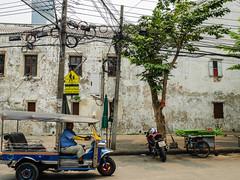 Thailand - Bangkok - Thonburi (st3000) Tags: asia seasia southeastasia thailand bangkok outdoor travel siam spicy gm5 lumix vario vario1232 tuktuk streetphotography street