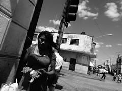 Ciudad Blanca y Negra IV (Isaac Palacio) Tags: new bnw street photography blancoynegro noiretblanc pretoebranco zwartwit biancoenero blackandwhite streetphoto world miligramo yucatan outside 2018 people flickr national mexico latinamerica bw classic merida white city