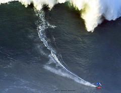 LUCAS CHIANCA / 7861LFR (Rafael González de Riancho (Lunada) / Rafa Rianch) Tags: paddle remada surf waves surfing olas sport deportes sea mer mar nazaré vagues ondas portugal playa beach 海の沿岸をサーフィンスポーツ 自然 海 ポルトガル heʻe nalu palena moana haʻuki kai olahraga laut pantai costa coast storm temporal