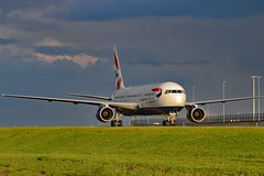 British Airways G-BZHC Boeing 767-336ER cn/29232-708 @ Taxiway Q EHAM / AMS 05-11-2017 (Nabil Molinari Photography) Tags: british airways gbzhc boeing 767336er cn29232708 taxiway q eham ams 05112017