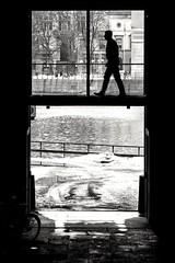 On the run (Per Österlund) Tags: bnw bw blackandwhite monochrome svartvitt streetshot streetphoto streetphotography streetbnw baw walking sweden stockholm 2018 fotografiadistrada fotografíadecalle strasenfotografie people mono snow silhouette city urban panasonic panasonicgx7