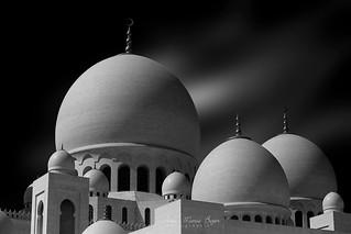 Mosquée Cheikh Zayed - Abu Dhabi. [Explore]