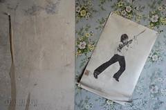 Maison Trottin - vintage rock poster (Under The Dust) Tags: urbex maison house trottin mold moisissure humidité