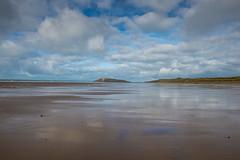 326 Rhossili Beach (Pixelkids) Tags: rhossilibeach wales strand sandstrand wolken himmel spiegelung meer europa bucht strandspaziergang wundervoll natur landschaft herrlich sand wasser