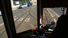 Lisboa_Straßenbahn_Fahrt_mit_einem_Triebwagen_der_Straßenbahnlinie_25_von_Estrela_durch_die_Rua_de_João_de_Deus_zur_Rua_de_Buenos_Aires_04_02_2018_MVI_9359 (Bernhard Kußmagk) Tags: europe europa portugal lisboa lissabon lisbon lisbonne carris strasenbahn tram tramway streetcar trolley tramm tranvía villamos tramvia sporvogn tramvaj spårvagn trikk tramvai tranvia bonde elétrico tramvay raitioliikenne sporvei spårväg трамвай τραμ 路面電車 노면전차 有軌電車 电车 kusmagk kussmagk bernhardkusmagk bernhardkussmagk carroseléctricosdelisboa 900mm schmalspur narrowgauge estrela ruadejoãodedeus video ruadebuenosaires