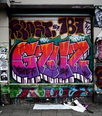 HH-Graffiti 3564 (cmdpirx) Tags: hamburg germany graffiti spray can street art hiphop reclaim your city aerosol paint colour mural piece throwup bombing painting fatcap style character chari farbe spraydose crew kru artist outline wallporn train benching panel wholecar frost gzuz 187