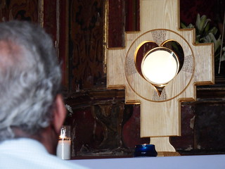 Adoración Eucarística, Eucharistic Adoration