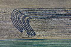 Farmers - Painting 89 (Aerial Photography) Tags: by keh ndb 13032002 ackerbau bauernmalerei bogen d3022205 feld fotoklausleidorfwwwleidorfde grafik gülle kelheim landschaft landwirtschaft luftaufnahme luftbild odl thaldorf abstrakt aerial agriculture farmerspainting field graphicart graphics landscape nature outdoor bayernbavaria deutschlandgermany deu