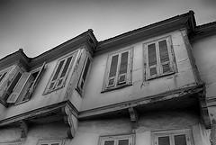 IMG_6016_1 (elkost) Tags: thessaloniki anopoli windows blackandwhite