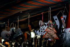 Merry (Melissa Maples) Tags: münchen munich deutschland germany europe nikon d3300 ニコン 尼康 nikkor afs 50mm f18g 50mmf18g winter marienplatz night christmasmarket holidays christmas christkindlmarkt market weihnachtsmarkt ornaments decorations vendor