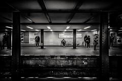 Berlin 2017 (elizzzzza67) Tags: 1022mm 2017 allemagne appareilphoto berlin canon70d groupefoule metro nb objectif streetphotography zoologischergarden
