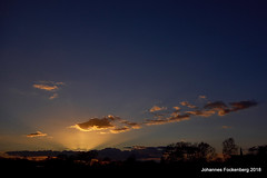 Gute Nacht (grafenhans) Tags: sony alpha 68 alpha68 a68 slt sigma 4056 1020 sonnenuntergang sonne himmel abendhimmel abendsonne wolken farben color landschaft landscape grafenwald bottrop nrw