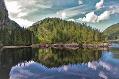 ricordi di Norvegia (Angelo Petrozza) Tags: norway norvegia scandinavia fiordo fjord reflection sky skyline casetta alberi trees angelopetrozza pentaxk70 landscape panoramica