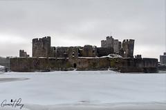 Caerphilly Castle (geraintparry) Tags: geraint parry geraintparry snow snowing south wales cymru caerphilly castle