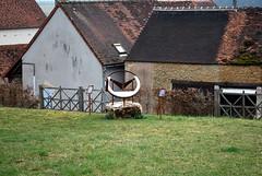 cadran solaire, Bissy-sur-Fley (71) (odile.cognard.guinot) Tags: cadransolaire saôneetloire bissysurfley 71 bourgogne bourgognefranchecomté château pontusdetyard