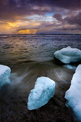 (Adam C Images) Tags: select fuji xt2 mirrorless xtransiii iii sensor crop weather sealed fujinon 1655 f28 r lm wr nisi filters polarizer 6 stop 10 little stopper big lake ontario snow squall shore seascape ice frozen winter kingston canada