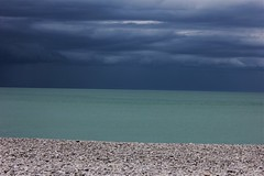 1538 DECLINAISON GALET (rustinejean) Tags: rustine sea mer beach bleu blue plage galets ciel sky