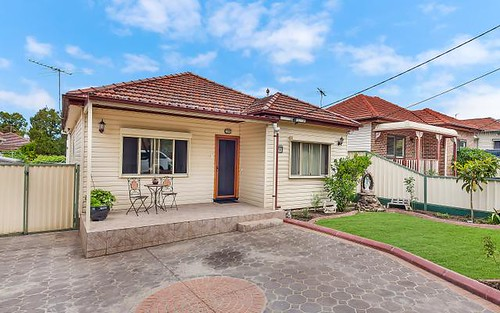 13 Henty St, Yagoona NSW 2199