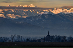 Sunrise on the tops (Arunte) Tags: marcofrancini piemonte nikond850 alpi neve pianura cuneese paese campanile nubi arunte valvaraita alba