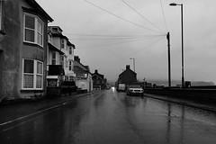 Llygedyn o oleuni (Rhisiart Hincks) Tags: glaw glav euri rain pluie uisge báisteach lluvia pluvo eső regen дождь fearthainn busti gwlyb gleb fliuch wet borth ceredigion aod glanymôr cósta kostalde coast côte arfordir seaside ويلز uells ουαλία velsa velsas уельс уэльс велс уелс walia ウェールズ 威爾士 ue eu ewrop europe eòrpa europa aneoraip a'chuimrigh kembra wales cymru kembre gales galles anbhreatainbheag blancinegre duagwyn gwennhadu dubhagusgeal dubhagusbán blackandwhite bw zuribeltz blancetnoir blackwhite monochrome unlliw blancoynegro zwartwit sortoghvid μαύροκαιάσπρο feketeésfehér yborth
