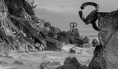 Peine del Viento (Serie en Blanco y Negro I Edición limitada) (Iñigo Escalante) Tags: donostia sansebastian amaneceres peinedelviento gipuzkoa guipuzcoa paisvasco euskadi euskalherria basquecountry espaã±a spain europe europa amanecer basque country españa blancoynegro black blackandwhite bw byn mar sea cantabrico art fine drugs sex rock beach summer happiness nude xxx