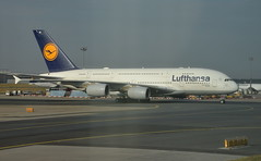 Airbus A380-800  Lufthansa  D-AIMB München (pontfire) Tags: airbus jetliner aviondeligne compagnieaérienne plane planes airplane airplanes aircraft aircrafts avion avions aéroport pontfire airliner airways airlines boeing fly flying airport aérogare sky ciel frankfurt eddf fra flughafen am main rheinmainflughafen international aviation aeropuerto aeroporto aeroplane aviao flugzeug landing flight trip trips travel traveler voyage