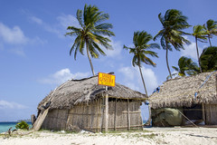 Danger (Imthearsonist) Tags: beach paradise sanblas panamá islaperrochico island palmtrees playa palmeras cabaña paradisiaco archipielago sign gasoline beautiful landscape