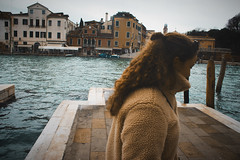 (Babette VM) Tags: venice venetie italy citytrip love europe europetour vacation vakantie vakance girl boy walk friend curls water grandcanal grand canal italie