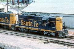 ATSF GP7 2951 at Temple,Tx - July 1976 (G Morris) Tags: atsf santafe gp7