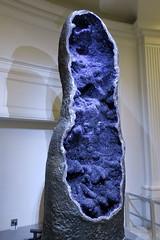 NYC - AMNH: Amethyst Quartz geode (wallyg) Tags: americanmuseumofnaturalhistory amethystquartz amnh geode manhattan museum newyork newyorkcity ny nyc upperwestside uws amethyst amethystgeode