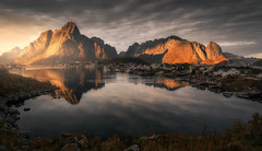 Remote Norway pt. III (the_phlog) Tags: norway norwegen lofoten reine sunset sunrise dusk dawn glow sunshine arctic mountains ocean sea lake reflections thephlog canon eos6d christianmöhrle