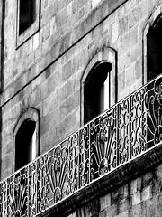 Quimper par une belle journée de novembre (Chti-breton) Tags: fenêtre balcon ferronnerie
