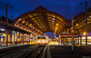 Strasbourg Ville Gare avec Danseuse ((Mathias Dersch)) Tags: strasbourg ville gare danseuse strasburg hautbahnhof nachtaufnahme bb25500 25673 beton livree bahnsteighalle ter gand est saverne