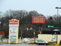 Wells Fargo (Waterbury, Connecticut) (jjbers) Tags: february 24 2018 connecticut waterbury wells fargo large road sign modells sporting goods
