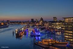 Hamburger Hafen - 02031804 (Klaus Kehrls) Tags: hamburg hamburgerhafen nachtaufnahme blauestunde elbe flüsse schiffe skyline