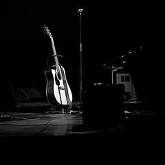 Allez Dorian, joue encore !!! (mifranc91) Tags: concert coulisses d700 lumières nikon scène spectacle troupe zicos